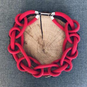 naszyjnik ze sznurów