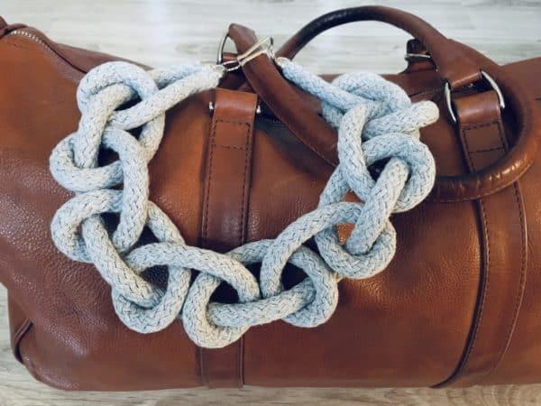 naszyjnik z bawełny pleciony